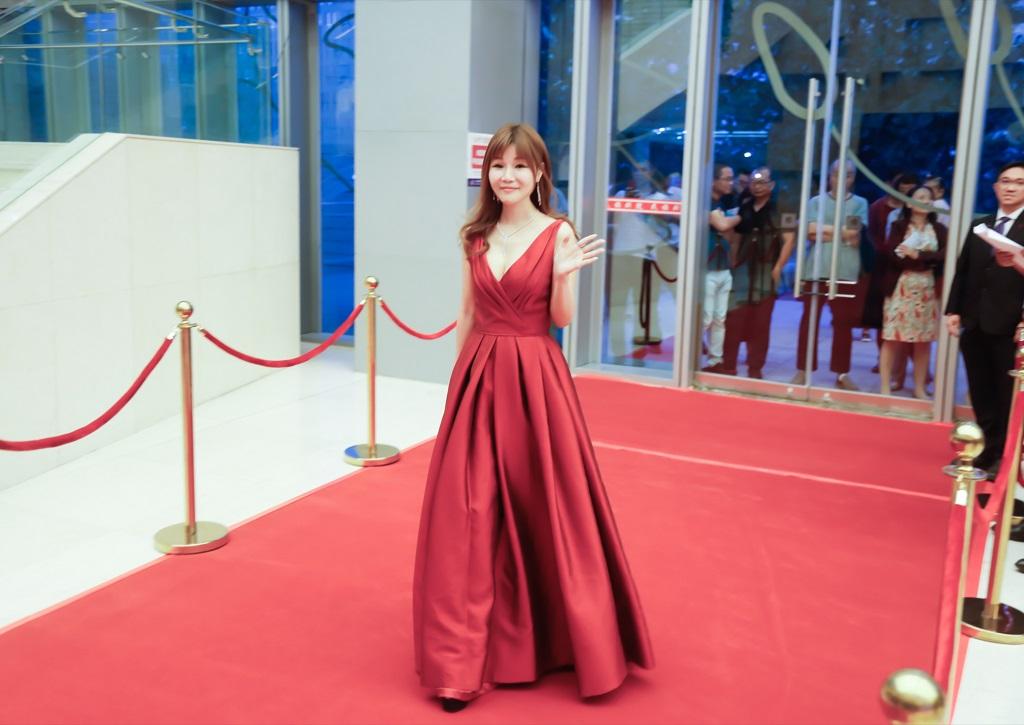 獲獎代表G2時尚美容集團創辦人許玉煥走紅毯