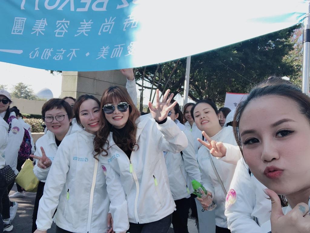 G2創始人許玉煥(左三)和團隊成員的合影